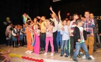 ABDULLAH UÇGUN - Niğde Sevgi Evleri Öğrencilerinden Muhteşem Mezuniyet Gecesi