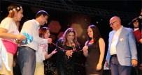 KİBARİYE - Kibariye'den Sahnede Nişan Töreni!