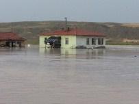 Çankırı'da Sel Tarım Arazilerine Zarar Verdi