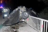 HARŞİT ÇAYI - Gümüşhane'de Trafik Kazası Açıklaması 1 Ölü, 2 Yaralı