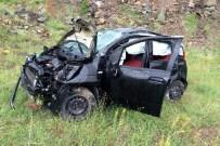 ÜNLÜPıNAR - Düğüne Giden Aile Kelkit'te Kaza Yaptı Açıklaması 1 Ölü, 2 Yaralı