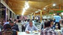 Borçka Belediyesi İftar Çadırı Kurdu