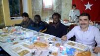 Eceabat'ta Üniversite Öğrencileri İftar Açtı