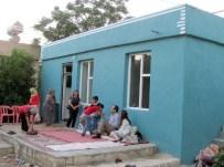 EV İNŞAATI - Kaymakam 5 Çocuk Annesi Dul Kadına Sahip Çıktı