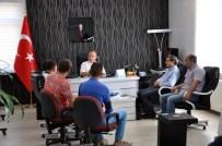 MASA SANDALYE - Didim'de Yalı Caddesi Esnafı İşgaliye Kullanımı İçin Çözüm Bekliyor