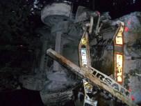 ÖZDEMIRCI - Samsun'da Tanker Uçuruma Yuvarlandı Açıklaması 1 Ölü