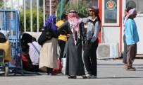 AKÇAKALE SINIR KAPISI - PYD Tel Abyad'a Geçişleri Engelliyor