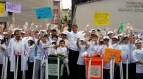 ALI GÜNER - Belediye Başkanı Çocuklarla Birlikte Sokakları Temizledi