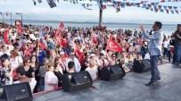 KAMIL SAKA - CHP Akçay'da Yürüyüş Ve Miting Yaptı