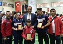 HALTER TAKIMI - Mamak'ta Yılın Sporcuları Ödüllendirildi