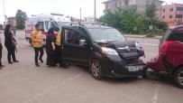 HÜSEYIN BOZKURT - Fatsa'da Trafik Kazası Açıklaması 2 Yaralı