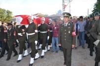 TAHIR BEKIROĞLU - Şehit Uzman Onbaşı Gözyaşları Arasında Toprağa Verildi