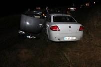 AKÇAKıŞLA - Sivas'ta Trafik Kazaları Açıklaması 3 Yaralı