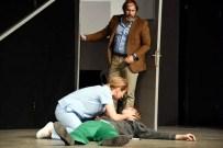 YOSI MIZRAHI - Aliağa Belediyesi'nin Tiyatro Etkinlikleri 'Beyaz Fil' İle Sona Erdi