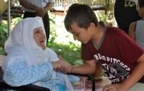 MEHMET KARADAŞ - Asırlık Nine Torun Ve Çocuklarının Toplanma Merkezi
