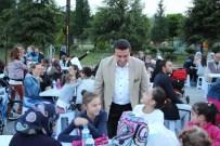 OSMANLI CAMİİ - 2 Bin 300 Kişi Hep Birlikte Oruç Açmanın Hazzını Yaşadı
