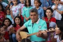 BARIŞ MANÇO - Hakkari'de Çocuklara İftar Yemeği Verildi