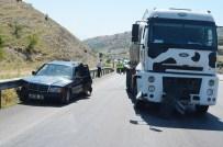 İSMAİL BİLGİÇ - Manisa'da Trafik Kazası Açıklaması 4 Yaralı