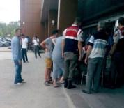 SAMET GÜZEL - Kocaeli'de Otomobil Ağaca Çarptı Açıklaması 1 Ölü, 1 Yaralı