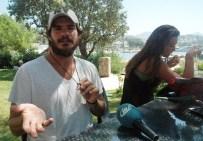 SURVİVOR - Survivor Hakan Açıklaması 'Adadan Getirdiğim Kumlarla Para Kazanıyorum'