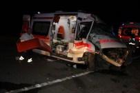 MERAM EĞITIM VE ARAŞTıRMA HASTANESI - Ambulans Kaza Yaptı Açıklaması 4 Yaralı