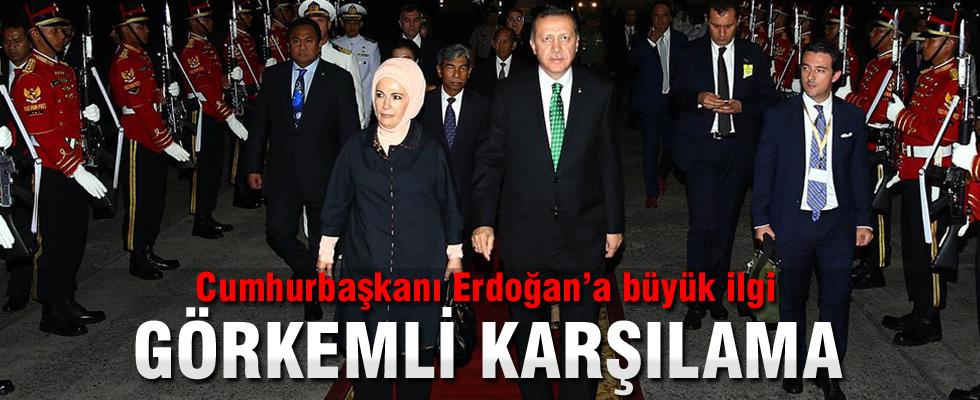 Cumhurbaşkanı Erdoğan Endonezya'da böyle karşılandı