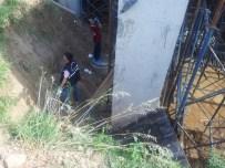 Kırıkkale'de İnşaattan Düşen İşçi Öldü