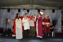 MUSTAFA ZEYBEK - Seksenler Dizisi Oyuncuları Şehzadeler'de Sahne Aldı