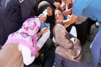 CENAZE ARABASI - Minik Enes Gözyaşları Arasında Toprağa Verildi