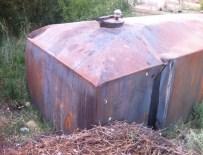 KAÇAK MAZOT - Bahçeyi Akaryakıt İstasyonuna Çeviren Zanlılar Yakalandı