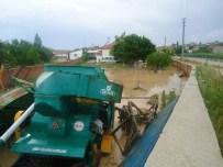 AFAD Ekipleri Sel Baskının Yaşandığı Çobanlar İlçesinde Hasar Tespiti Yaptı