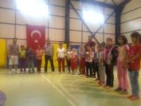 ÜNAL KOÇ - Çukurca'daki Basketbol Ve Tenis Kurslarına Büyük İlgi