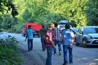 MAHSUR KALDI - Göçükten Kurtarıldı, Ambulansa Binmek İstemedi