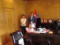Minik Öğrenci Derem'den Kaymakam Öztürk'e Teşekkür Ziyareti