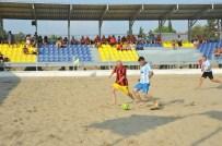 SMYRNA - Masterlar Plaj Futbolunun Şampiyonu Smyrna Oldu