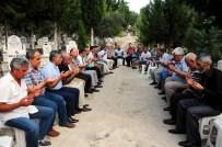 MUZAFFER YÜKSEL - Halk Ozanı Kocaman, Mezarı Başında Anıldı