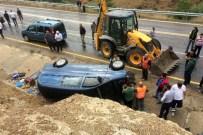 ÜNLÜPıNAR - Gümüşhane'de Trafik Kazası Açıklaması 1 Ölü, 2 Yaralı