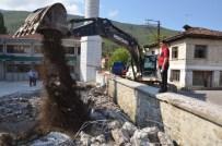 Durağan'da Tarihi Caminin Şadırvanı Yenileniyor