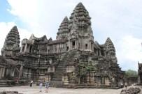 TOMB RAIDER - Turistlerin Kamboçya'daki Gözdesi Açıklaması Angkor Tapınakları