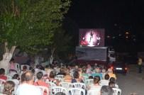 DAVUTLAR - Kuşadası'nda Açıkhava Film Gösterim Günleri Devam Ediyor