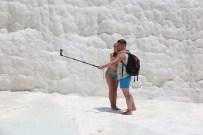 LAODIKYA - Pamukkale'ye Turist Akını Devam Ediyor