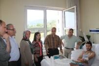 Vali Karahan, Yaralı Uzman Çavuşu Ziyaret Etti