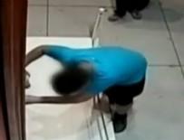TARİHİ TABLO - Sakar öğrenci 1.5 milyonluk tabloyu kırdı