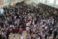 KUBA MESCİDİ - Elazığ'da İlk Hacı Kafilesi Uğurlandı