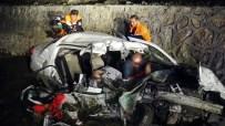 Otomobil Mezarlığa Döndü Açıklaması 3'Ü Çocuk 5 Ölü
