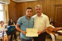 GESI BAĞLARı - Yeşil Konak'ta Gitar Ve Bağlama Kursuna Katılan Öğrencilere Başarı Belgeleri Verildi