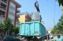 DAVUTLAR - Kuşadası'nda Çöp Konteynerleri Yenileniyor