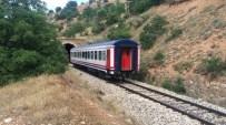 Erzincan'da Yük Trenine Bombalı Saldırı Açıklaması 2 Yaralı