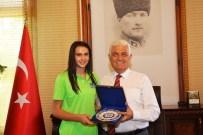 MUĞLA BELEDIYESI - Büyükşehir Belediyesi'nin Başarılı Sporcusu Arkas Forması Giyecek