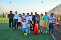 METİN ÖZKAN - Başkan Baran, Hereke Yıldızspor'u Ziyaret Etti
